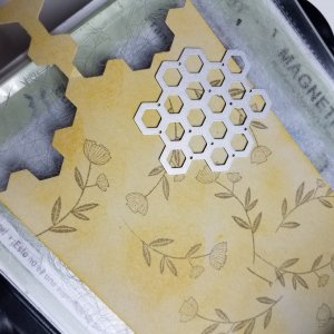 Creating Vintage Honeycomb element